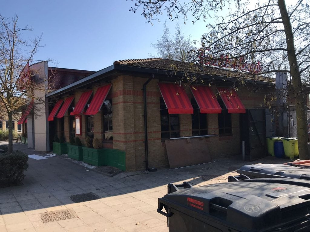commercial awnings on Frankie & Benny's restaurant
